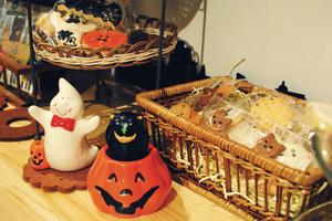 halloween cookies.png